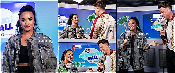 * 09/06/18 :    Demi L. était présente lors de l'événement « Capital FM's Summertime Ball », qui avait lieu à Londres. Demi est toute ravissante et souriante. Je suis fan de sa coiffure et de son maquillage. La tenue qu'elle porte est superbe je trouve. C'est un Top pour moi  *