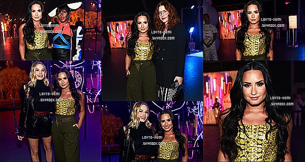 * 06/12/17 :    Demi L. s'est rendue à l'ouverture du, « Refinery 29: Turn It Into Art », qui avait lieu dans Los Angeles. Demi est vraiment sublime. Par contre je ne suis pas du tout fan de sa tenue. Je trouve que ces couleurs ne lui vont pas tellement. C'est un Flop pour moi  *