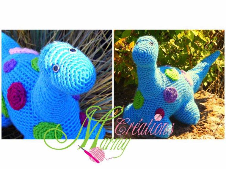 Un joli dinosaure ! www.creationsmarmy.etsy.com