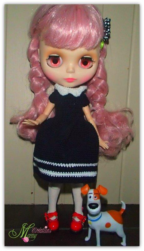 robe au crochet bleu marine pour poupée Blythe