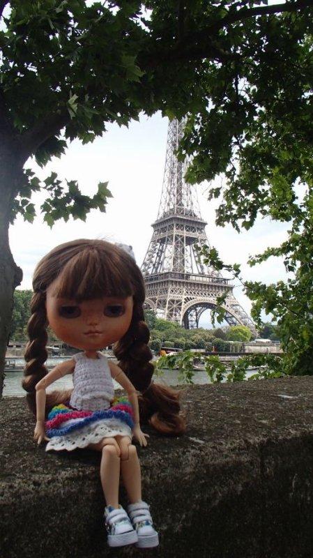 Un petit coucou de Rosie depuis Paris...