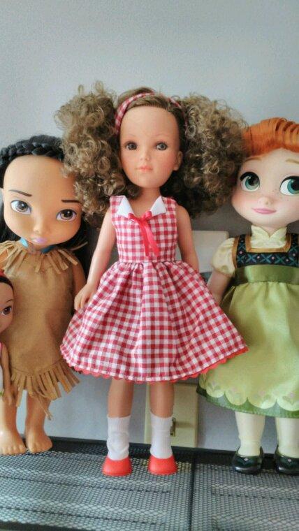 Et voici la poupée Vidals des Rojas habillée avec une des tenues originales