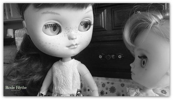 Rosie et Yvi en pleine conversation