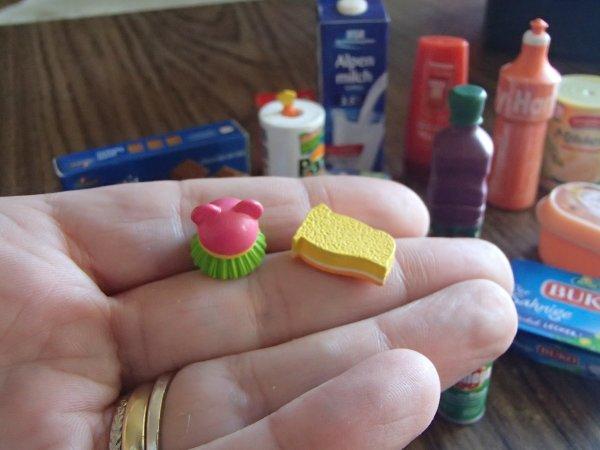 Tout juste reçu miniatures pour mettre dans la cuisine des filles
