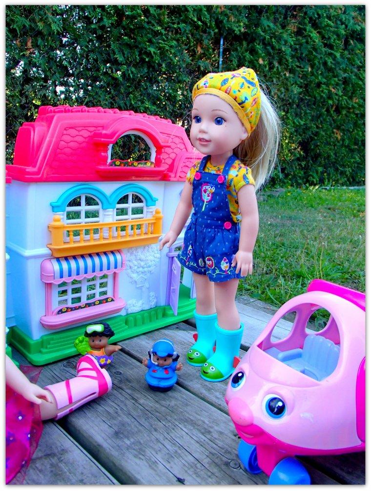 Les filles se sont installées pour jouer dehors suite
