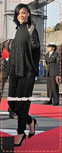 Rihanna en brune ! + Rih' au Japon + Rihanna a une conférence de presse pour BATTLESHIP ce 2 avril