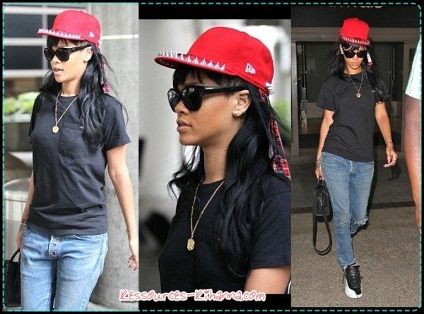 Rihanna de retour à LA + Performance de Rihanna à 'AMERICAN IDOL' + Rihanna change (encore) de Coiffure !  + Rihanna à LA .