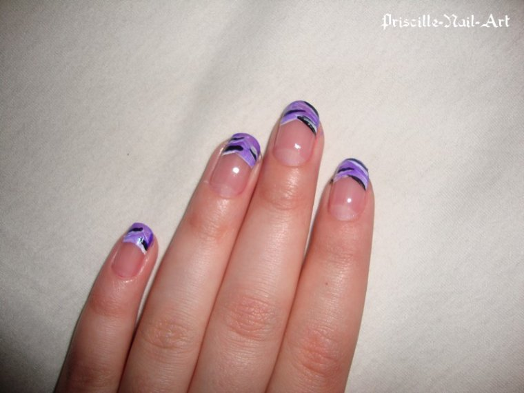 Nail Art French à la peinture