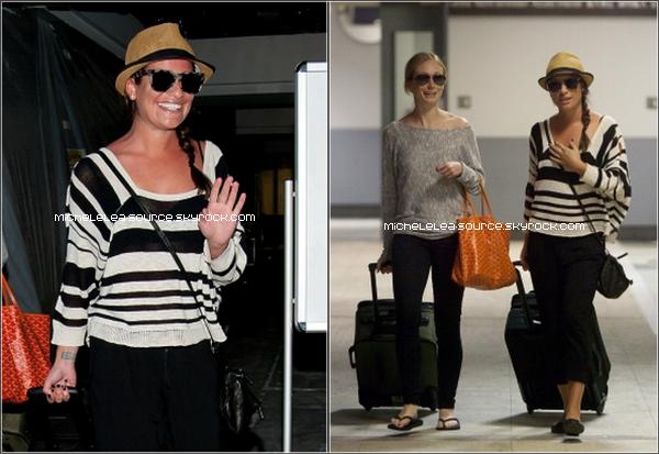 20/02/12 - Lea a été vue à l'aéroport de LAX avec son amie, revenant de leurs vacances au Mexique.