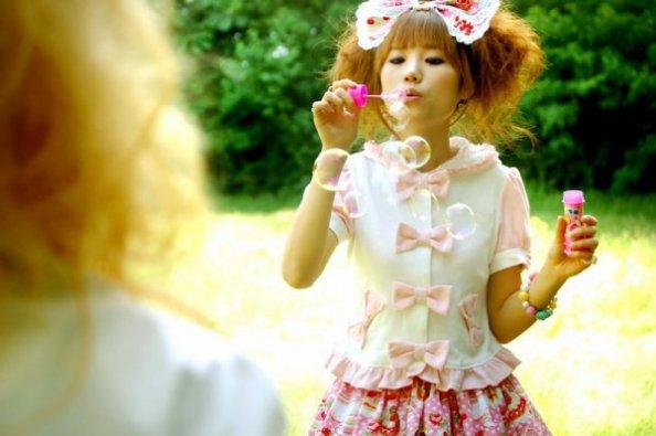 Sweet Lolita ; Contry Lolita ; Cyber Lolita ; Gothic Lolita... ♥