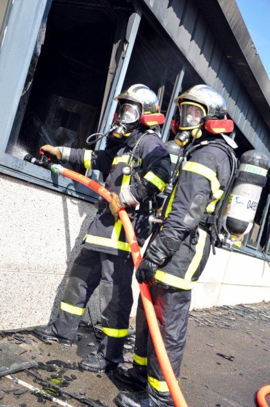 feu usine beauchamps (80)