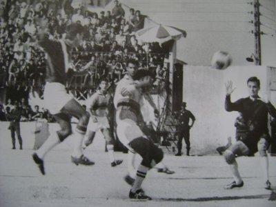 L'histoire des grands gardiens de but Algériens: EL-OKBI Djamel