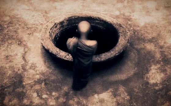 C'est sans doute moins douloureux de se briser la nuque au fond d'un puits, que d'imaginer tous les jours la douleur que cela serait.