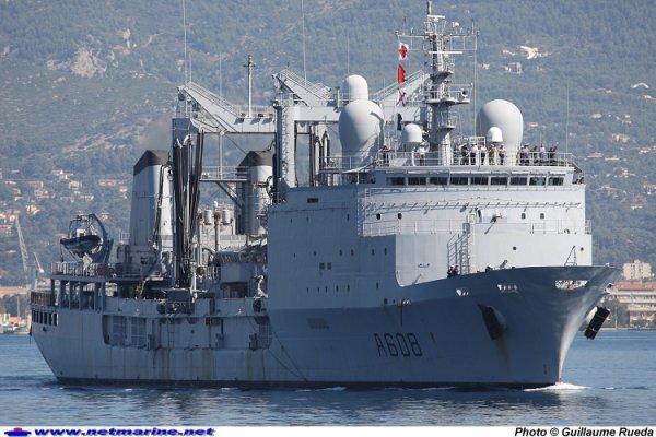 Bâtiment de commandement et de ravitaillement Var  Composante de la Force d'Action Navale, le Batiment de Commandement et de Ravitaillement (BCR) Var est le troisième d'une série de cinq pétroliers-ravitailleurs type Durance dont deux autres, les BCR Marne et Somme, ont comme lui, la possibilité d'embarquer un amiral et son état major.