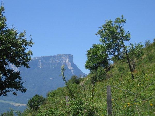 Ci-dessous photo du Col du Granier en Savoie