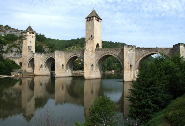Ci-dessous  photos de la ville de Cahors qui est très riche en architecture