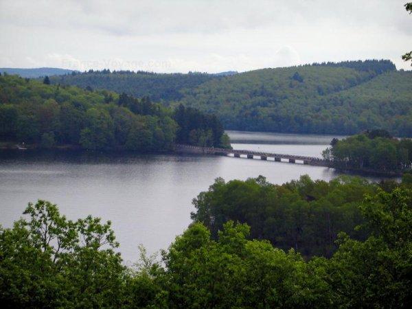 Ci-dessous photographies du Lac de Vassivière situé à la limite de la Haute Vienne, de la Creuse et de la Corrèze