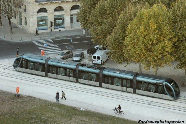 Ci-dessous photo du tramway de Bordeaux que j'ai utilisé lors d'une escapade dans le Bordelais
