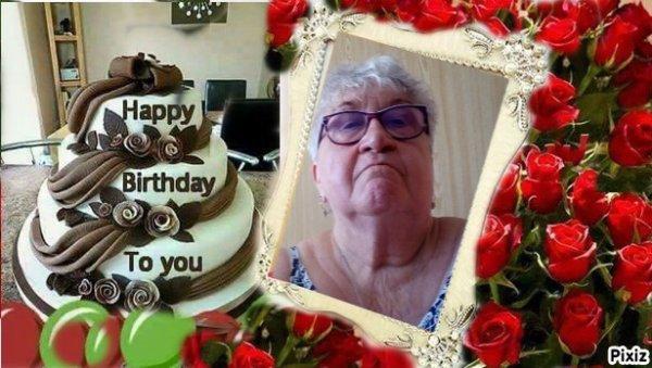 Ci-dessous cadeau de mon amie mybella Marie Lise 23 pour mon anniversaire à laquelle je dis un grand grand merci