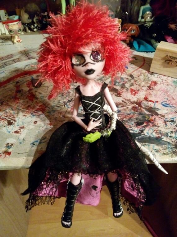 Voici la custom de Draculaura 13 wish
