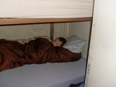premiere nuit de mon plus jeune garçon.apres la veille on dort bien a la tonne