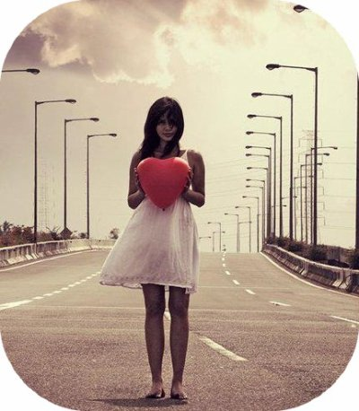 """""""L'amour naît de rien et meurt de tout ; on s'aime sans raison, on s'oubli sans motif.""""  -Alphonse Karr"""