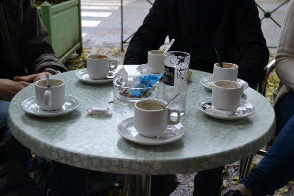 Roule moi une cigarette. Ce matin c'est Café Philo pour la Terminale Littéraire.