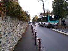 """BUS 207 pour la Queue En Brie Hopital mais qui va s'arreter à l'arret de bus """" Collège les Prunais""""  9622 du 206/207 (Une camarade à moi était dans ce bus"""