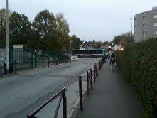 """BUS 206 pour Noisy-le-Grand RER en pleine accéleration pour l'arret de bus """"Square Des Allobroges"""""""