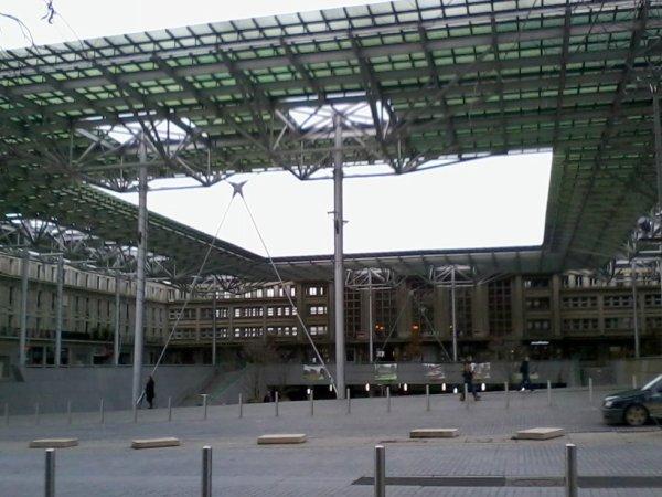 Gare SNCF d'Amiens (Paris-Gare-Du-Nord , la gare parisienne correspondante à celle-ci )