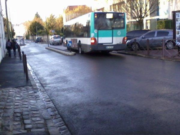 BUS 207 pour Noisy-Le-Grand Mont d'Est RER  (9616 du 206/207)