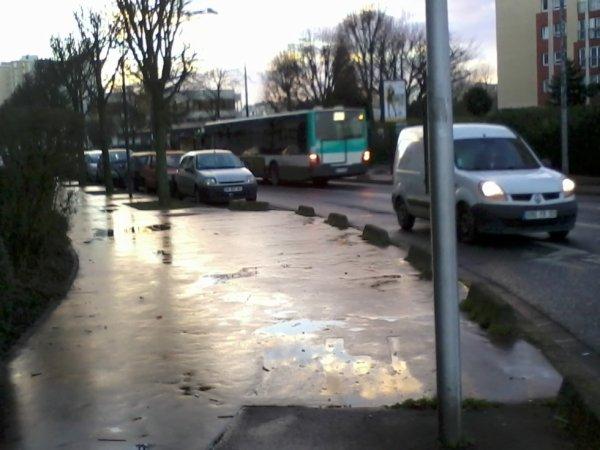 Bus 206 pour Emerainville RER