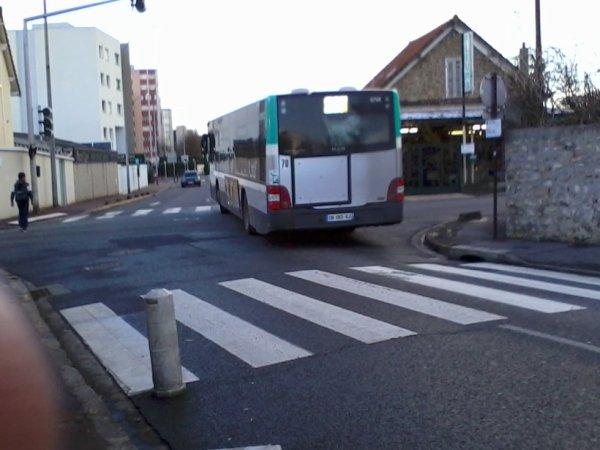 BUS 207 pour Noisy RER (9754 du 206/207)  Man Lion's City livrée STIF