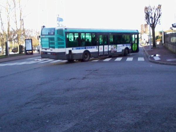 Encore un autre BUS 306 pour Noisy-RER (7323 de l'Agora V2)