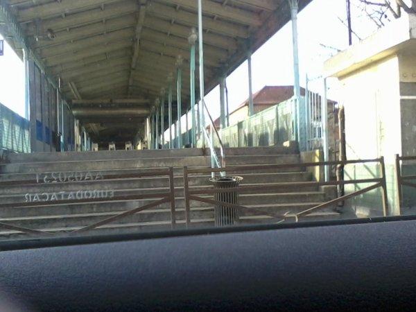 Une autre entrée de la même gare