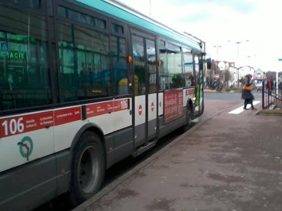 Encore la 8453 du 106 pour Joinville RER