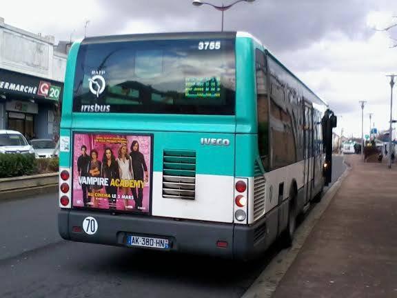 L'arrière de ce même bus