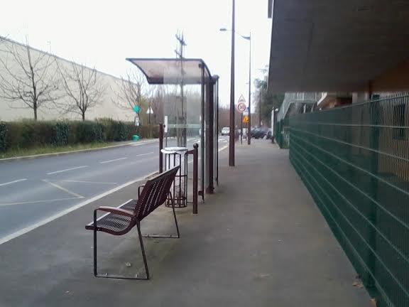 Arrêt de bus qui sert à rien