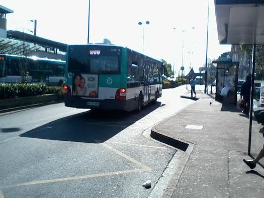 La 9618 du 206/207 sur le 206 pour Noisy-le-Grand-Mont-d'Est RER