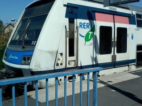 La 11 E qui fait aussi son entrée en gare