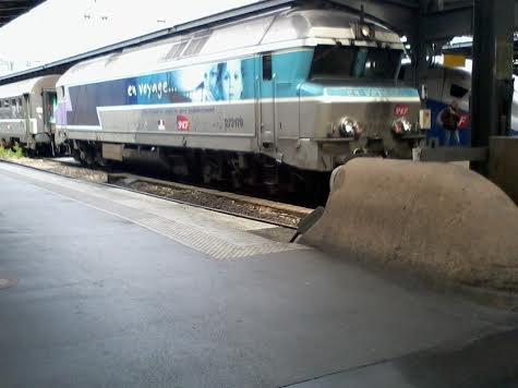 La locomotive 2721718 au repos à la gare de l'Est