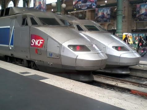 Un duo de TGV PSE à Paris-Nord