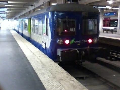 La rame RIB 582 du Transilien K à Paris-Nord
