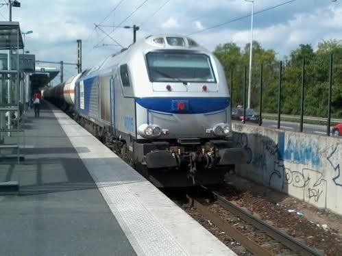 Une locomotive de marchandises à Val-de-Fontenay