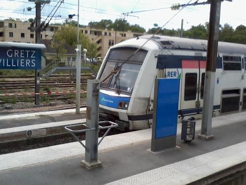 Un RER E qui part de Gretz-Armainvilliers  pour Saint-Lazare mission HIVA
