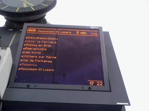 Panneau d'affichage du train HIVA
