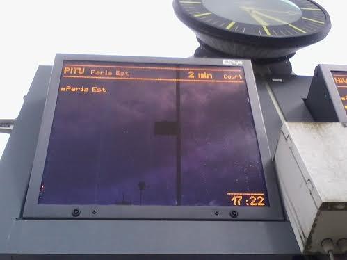 Panneau d'affichage du train PITU
