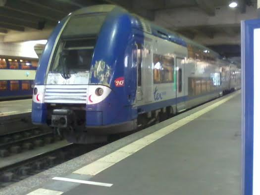 Rame TER 404 à la gare Montparnasse