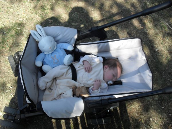 Née le 15 Avril a 23H59 2011 Morgan ( ses un garçon )