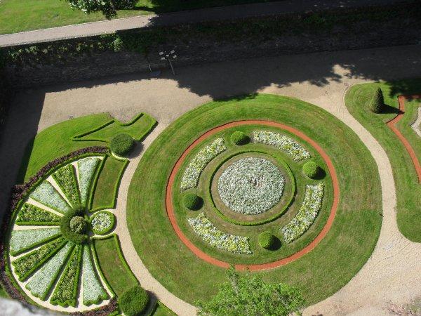 """Chateau d""""Angers Vu du BAS aux Jardin"""